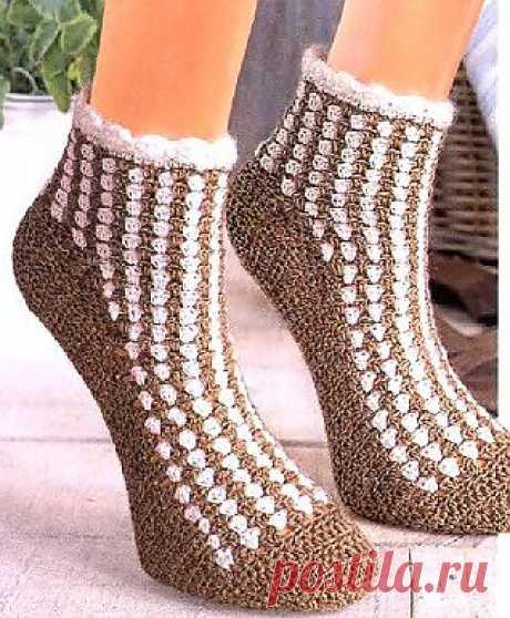 Симпатичные носки - крючком.