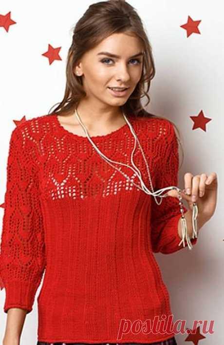 Пуловер с красивой ажурной кокеткой спицами