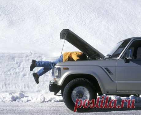 Можно ли зимой совсем не прогревать авто и почему С наступлением зимнего сезона каждый автолюбитель перед дорогой прогревает двигатель своего четырёхколёсного друга. Но нужна ли эта процедура?