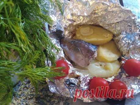 Запеченная скумбрия с картошкой.
