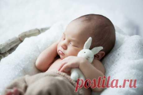 Мастер-класс от опытной медсестры: как мгновенно убаюкать ребенка с помощью 1 полотенца — SmileTer