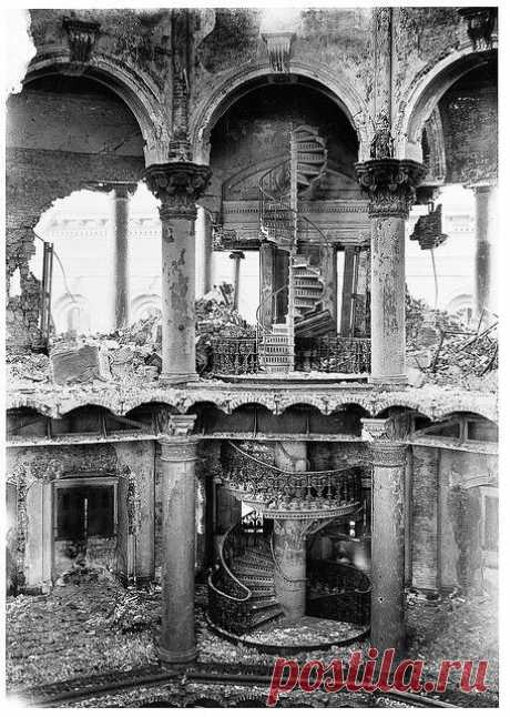 City Hall interior, San Francisco, 1906 - The San Francisco earthquake of 1906 was a major earthquake that struck San Francisco and the coast of Northern California at 5:12 a.m. on Wednesday, April 18, 1906. Devastating fires broke out in the city and lasted for several days. As a result of the quake and fires, about 3,000 people died and over 80% of San Francisco was destroyed. |   Pinterest: инструмент для поиска и хранения интересных идей