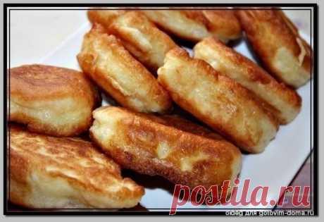 Пышные оладушки на дрожжах  Рецепт очень вкусных и пышных оладушек.