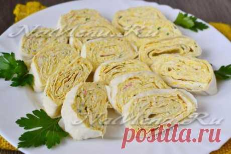 Lavash con las varitas de centolla y el queso y el huevo: poshagovyy la receta