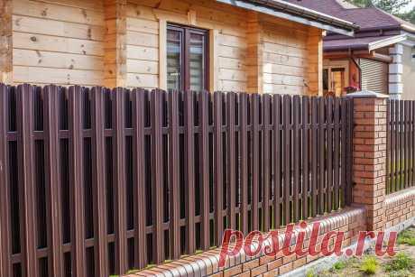 Какой же  выбрать забор для своего дома??