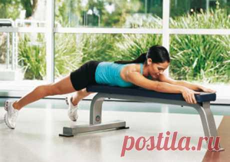Упражнение дня: подъемы  бедер : Комплексы упражнений для ног, подтянутых ягодиц и бедер :: SHAPE.ru