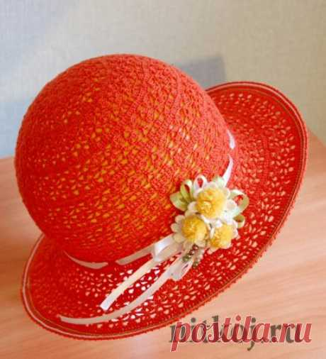 Шляпа крючком «Пушистые ромашки»