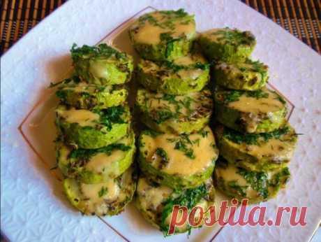 Кабачки, запеченные под сыром в духовке: полезные рецепты