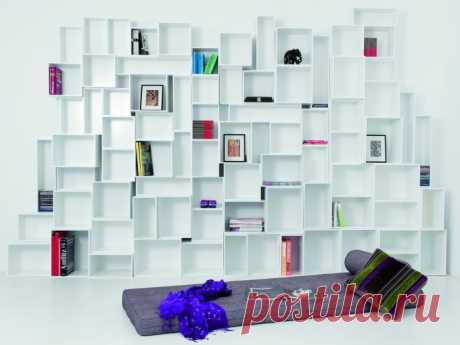 20 original shelves which will help to create a fashionable interior