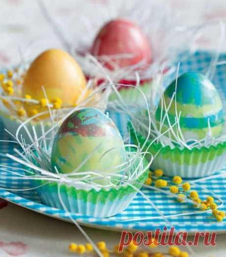 Оригинальные способы окрашивания яиц в несколько цветов