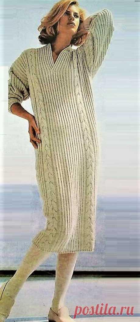 Вязаное платье прямого силуэта