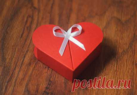 - Авторская упаковка для CD/DVD дисков, печать дисков  - Бомбоньерки  - Коробки для фото  - Подарочные коробочки для флешек