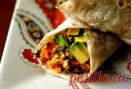 One of versions of a burrito with bacon and sweet potatoes – excellent option for a breakfast