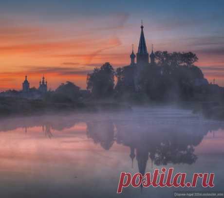 Село Дунилово на заре, Ивановская область. Фотограф – Андрей Корочкин. Бодрого утра!
