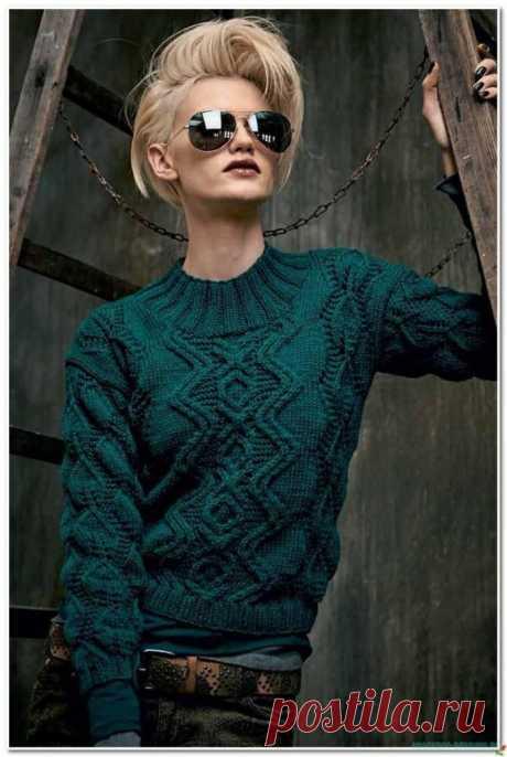 Стильный свитер спицами. — Красивое вязание
