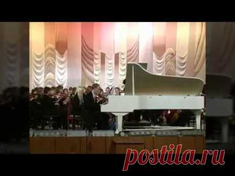 Концерт для фортепиано с оркестром в 3-х частях Владимира Сидорова (opus100, 2004). Исполнители - симфонический оркестр Магнитогорской консерватории (дирижер - Ренат Жиганшин); солист - Василий Карпов. Запись по трансляции из концертного зала, 13 декабря 2006 г. 1. MODERATO. (2:33) 2. ANDANTE. (12:00) 3. ALLEGRO. (17:04)
