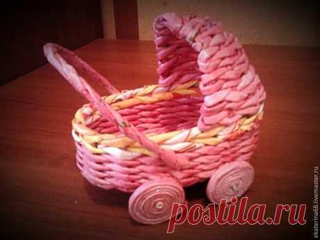 Плетем колясочку для кукол из бумажной лозы | Журнал Ярмарки Мастеров