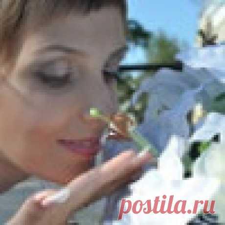 Александра Халезова