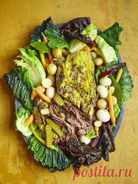 Тушеная говядина рецепт с овощами - питательное блюдо. Нежное мясо и разнообразные овощи, объединенные ароматным бульоном, прекрасно сочетаются в одном блюде!