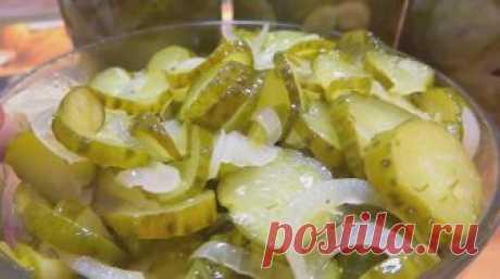 Отличный салат из огурцов «Зимний король»: закрываем на зиму Сделать вкусные маринованные огурцы можно всего за один час, без стерилизации и лишних хлопот.