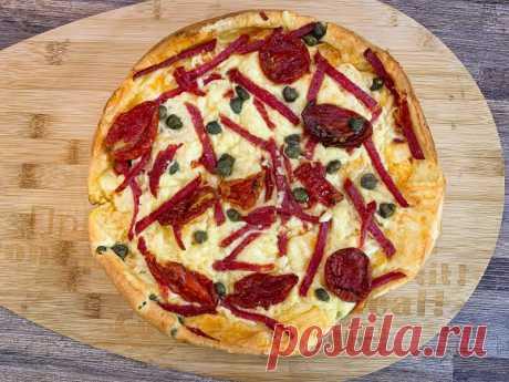 """Пицца """"Маришка"""" Пицца «Маришка» несложная в приготовлении.Вкусная как в горячем, так и в холодном виде.Рецепт этого простого блюда я нашла в одном из журналов. Готовится очень просто. Я бы даже сказала справится и ребёнок.Так же в рецепте я напишу начинку, которая была у меня, но можно использовать любую..."""