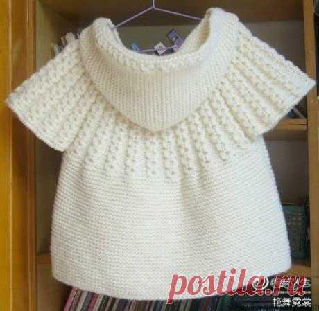 Белыйжилетс капюшоном для девочки 4-5 лет. Модный детский жилет спицами   Шкатулка рукоделия