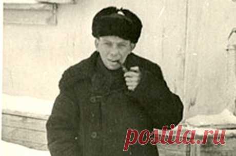 Как урки спасли в ГУЛАГе разведчика «Кента» из «Красной Капеллы» (5 фото)   Чёрт побери Анатолий Гуревич («Кент») был одним из членов советской группы разведчиков «Красная Капелла». В 1942-м он был схвачен гестапо. В 1945-м вернулся в СССР, где был осуждён на 20 лет лагерей за то, что под пытками немцев выдал секреты. Опыт и хорошее знание психологии подсказало ему в ГУЛАГе, что надо держаться стороны воровского мира, а не «политических». Завоевав расположение урок, он дор...
