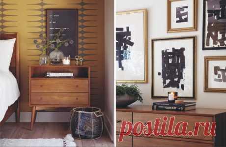Если вы не решаетесь покрасить стены в спальне в смелый или необычный цвет, можете добавить ей индивидуальности при помощи обоев. Взгляните на фото: такой необычный выбор орнамента на обоях говорит об оригинальном и веселом характере этой пары.
