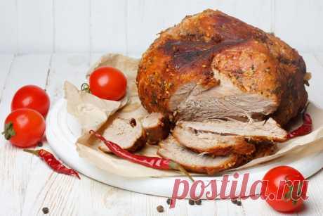 Как приготовить идеальную буженину - KitchenMag.ru Несколько советов, как правильно подобрать мясо для приготовления буженины, как мариновать мясо и как его запекать.