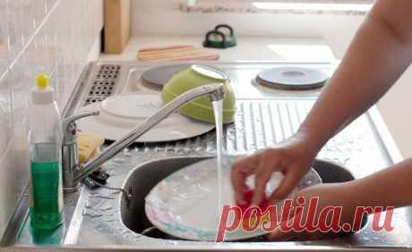 Почему нельзя мыть посуду в гостях | тысяча советов | Яндекс Дзен