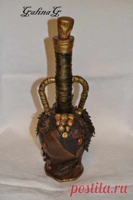 Бутылка выполнена из натуральной кожи,сделана с любовью! G.G/