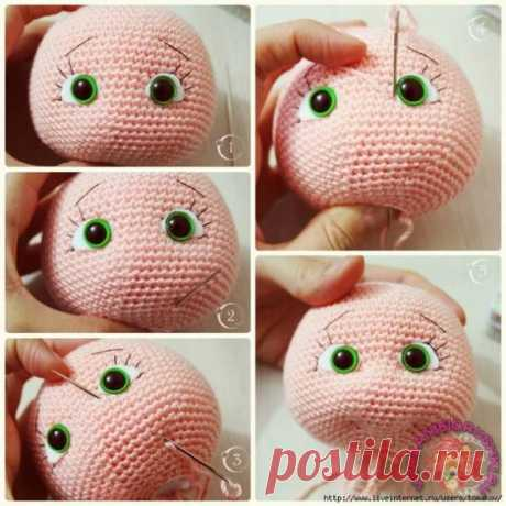 La formalización de la persona a la muñeca tejida - el Juguete por el gancho