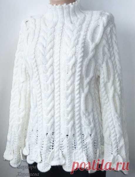 Стильный и модный, мягкий и теплый вязаный свитер с волшебными косами-аранами.   В нем Вам непременно будет комфортно и уютно, особенно в холодное время года.  С удовольствием свяжем такой свитер на заказ.   Цена указана ориентировочно, зависит от размера и длины изделия.  Будьте очаровательны и неотразимы!