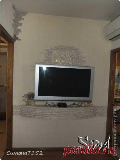 Процесс декорирования стены камнем из бумаги