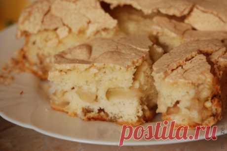 Бисквитный пирог с яблоками — Кулинария для всех