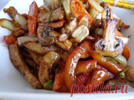 Свинина по-китайски: это обжаренное в ароматном соусе мясо просто бесподобно!