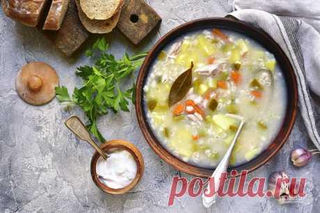 Для настоящего РАССОЛЬНИКа используют субпродукты, мы же предлагаем для супа сварить бульон на говяжьей голяшке.
