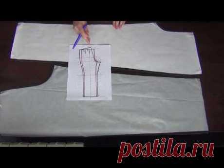Los pantalones femeninos por las manos. Los pantalones de punto del corte libre