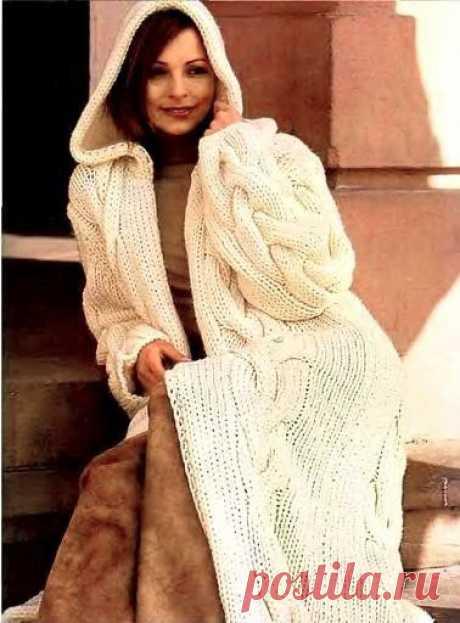 Вязаное объёмное белое пальто из категории Интересные идеи – Вязаные идеи, идеи для вязания