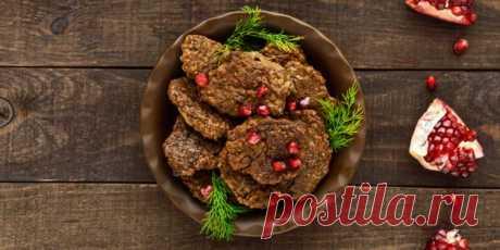 7 рецептов нежных печёночных оладий - Лайфхакер