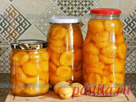 Абрикосы в сиропе на зиму  Абрикосы в сиропе, приготовленные на зиму, - прекрасная летняя заготовка, для которой подойдут даже слегка зеленоватые плоды с плотной мякотью. Недоспелые абрикосы будут хорошо держать форму в сиропе, а спелые получатся более мягкими и более сладкими. Консервированные абрикосы можно использовать для тортов и десертов, или кушать просто так, наслаждаясь нежным вкусом и ароматом летних плодов.   Для приготовления абрикосов в сиропе на зиму понадоби...