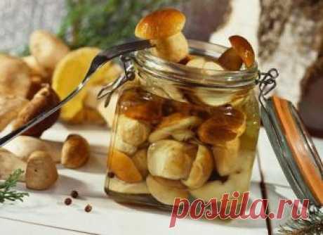 Ловите, хозяюшки! Маринад для любых грибов Ингредиенты: 1 литр воды; 2 ст. л. сахара; 4 ч. л. соли;...