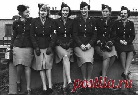 Бордели вермахта Бордели в армии существовали во все времена и у всех народов - в той или иной форме, естественно. Их появление было обусловлено множеством причин, но никто и никогда не подходил к этому вопросу столь основательно, как подошли к нему немцы. Особенно для солдат вермахта.