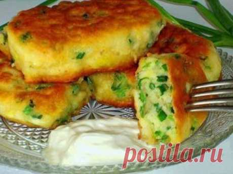 Fritters on kefir with green onions — the Taste Factor