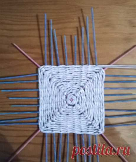 Плетеные квадратные основания   фольга