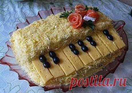 """Вкуснее только у мамы: Салат """"Белый рояль"""""""