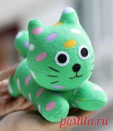 Делаем котиков с носков — Сделай сам, идеи для творчества - DIY Ideas