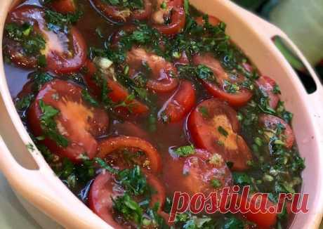 Помидоры с зеленью в томатном маринаде. Просто бомба 💣 - пошаговый рецепт с фото. Автор рецепта анастасия . - Cookpad