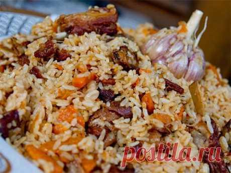 Плов с барбарисом, 5 рецептом приготовления:c зирой, куркумой и свининой Плов с барбарисом – аппетитное и сытное блюдо восточной кухни. Зачем добавляют эту специю? Какие еще ингредиенты входят в состав узбекского плова? Можно ли приготовить его в мультиварке?