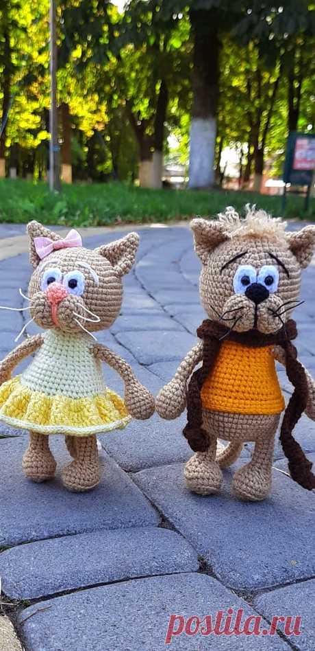 PDF Кот Маркот крючком. FREE crochet pattern; Аmigurumi animal patterns. Амигуруми схемы и описания на русском. Вязаные игрушки и поделки своими руками #amimore - котик, кот, кошечка, кошка, котенок.